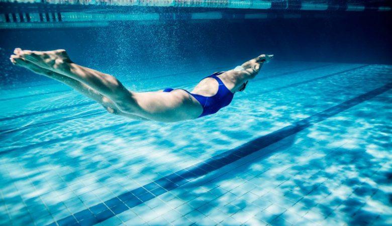 comment maigrir en nageant